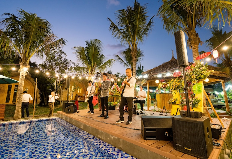 Hoi An SeaBreeze Village Resort, Thang Binh, Restaurant