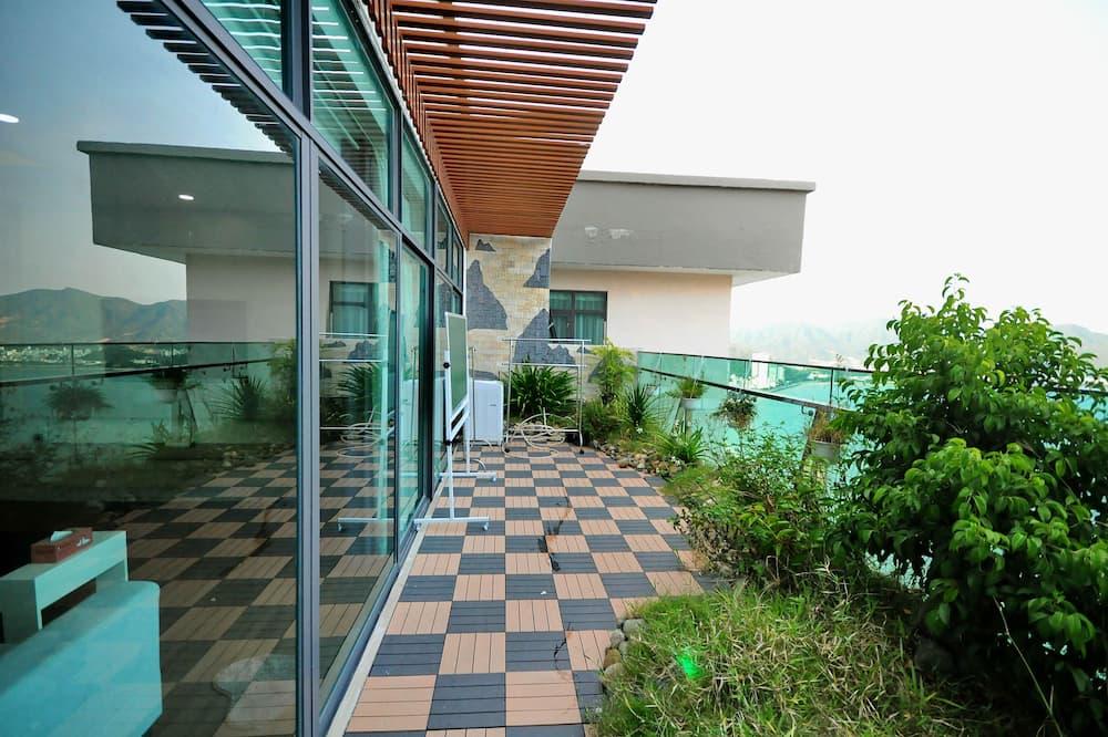 360* Ocean View Sky Villa - Balcony
