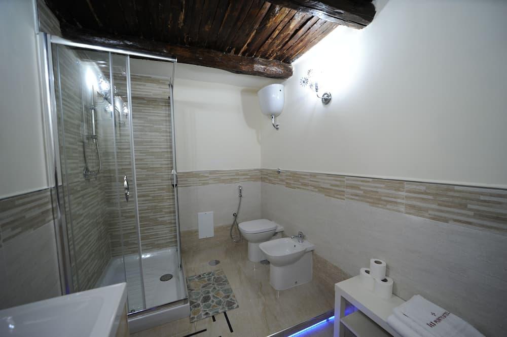Superior Quadruple Room (Pompei) - Bathroom