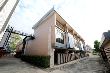 Fotografia hotela (OYO 477 Sriracha Hotel And Spa) v meste Si Racha