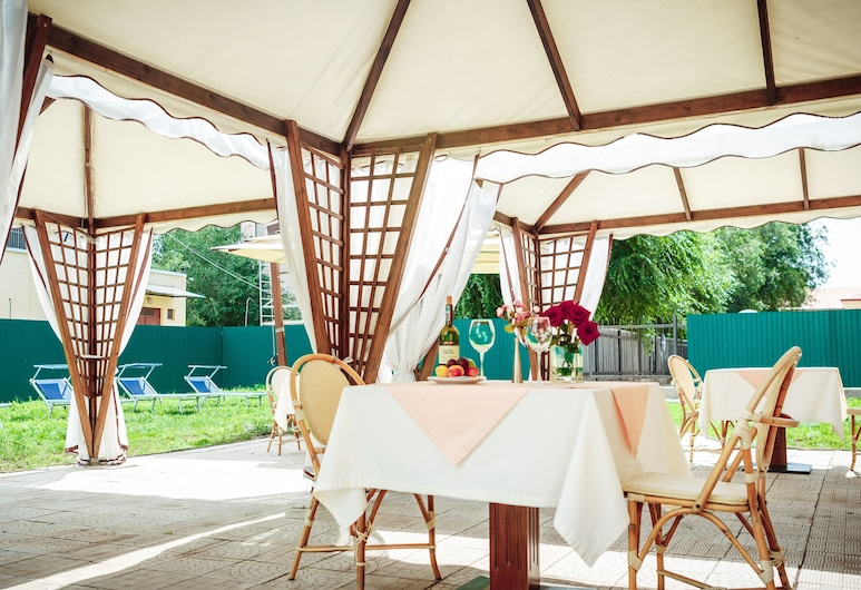 Pushkin Hotel, Uralsk, Outdoor Dining
