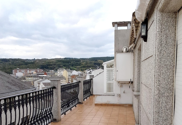 Apartment With 3 Bedrooms in Sarria, With Wonderful City View and Furnished Terrace, Sarria (Lugo)