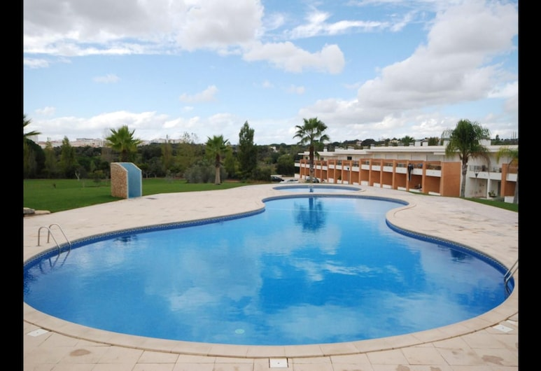 House With 2 Bedrooms in Albufeira, With Shared Pool, Terrace and Wifi, Albufeira