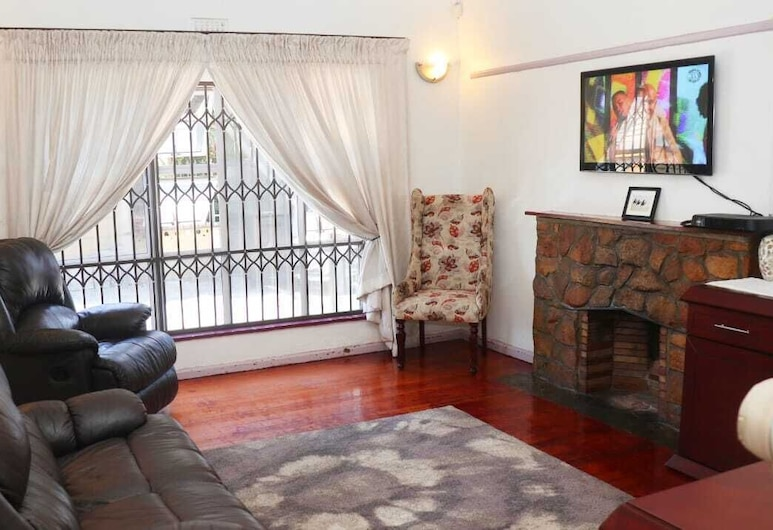 Top Efforts Guest House, Cape Town, Double Room, Shared Bathroom, Living Area