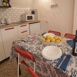 Economy Apartment, 2 Bedrooms, Partial Sea View - In-Room Dining
