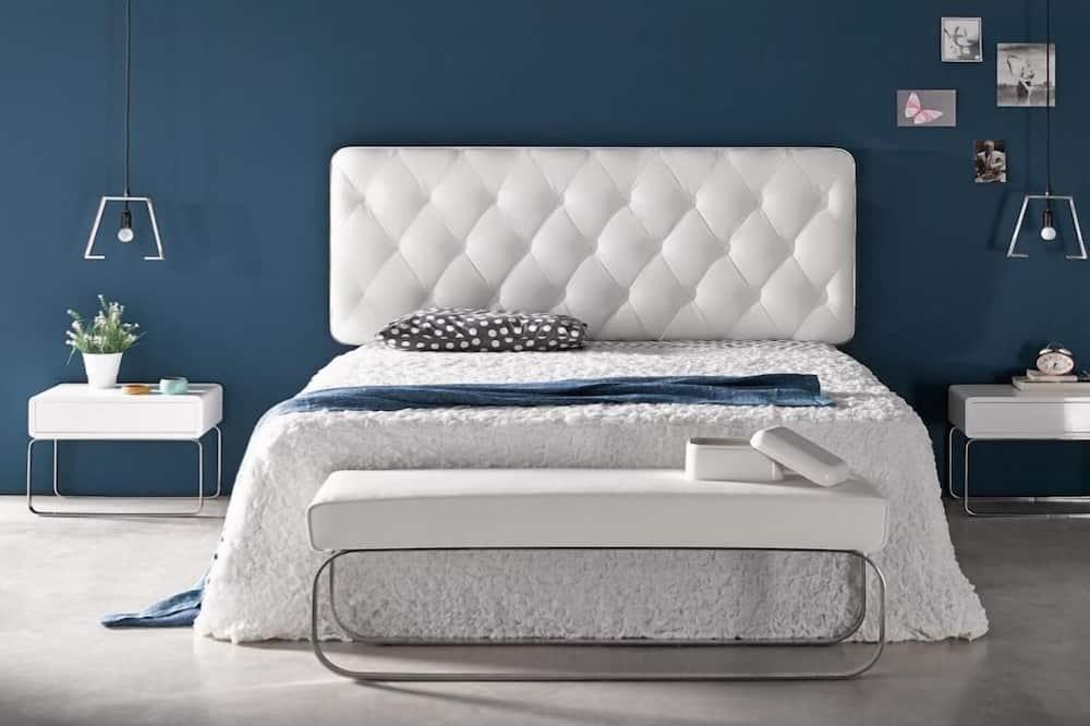 Comfort Apartment, 1 Queen Bed, Kitchen, Ground Floor - Room