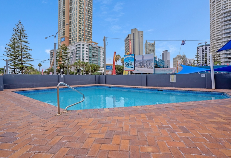 Beachside Views with Pool and Netflix, Surfers Paradise, Exterior