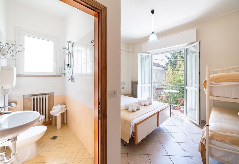 Villa Maria Apartments, Riccione, Štandardný apartmán, 2 spálne, Izba