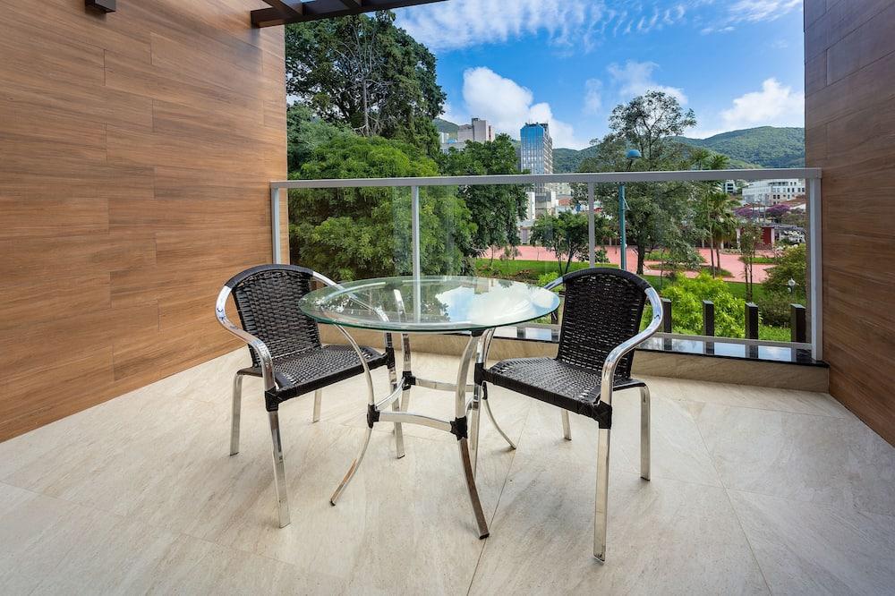 Superior Double Room, Garden View - Balcony View