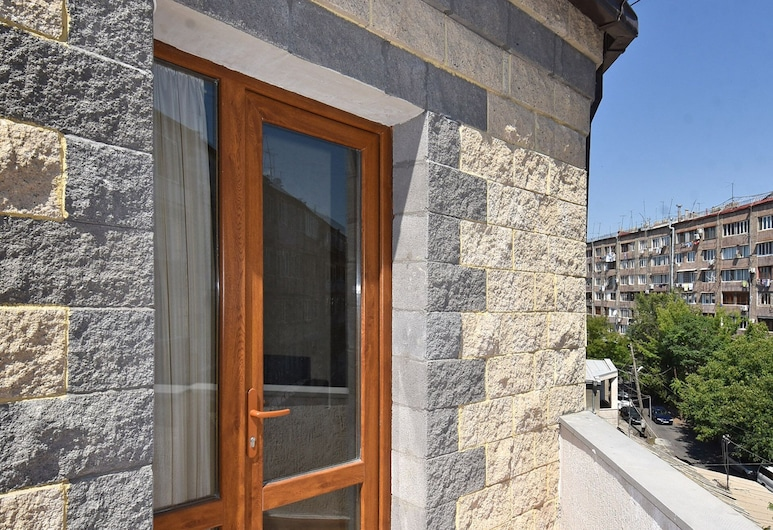 Luxury Apartments and Studios in new building, Yerevan, Buitenkant