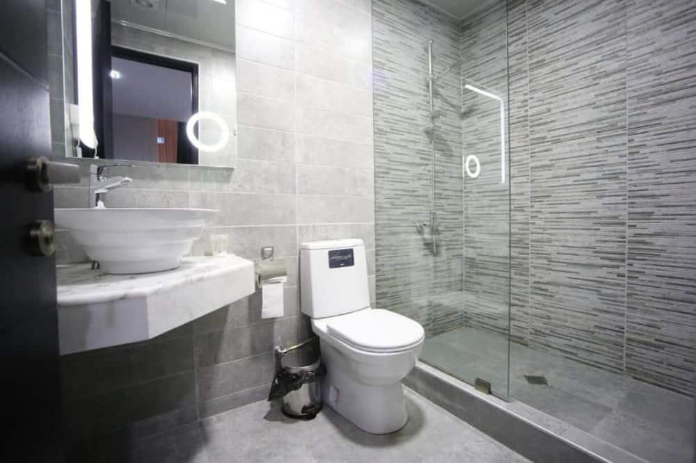 標準三人房 - 浴室設施