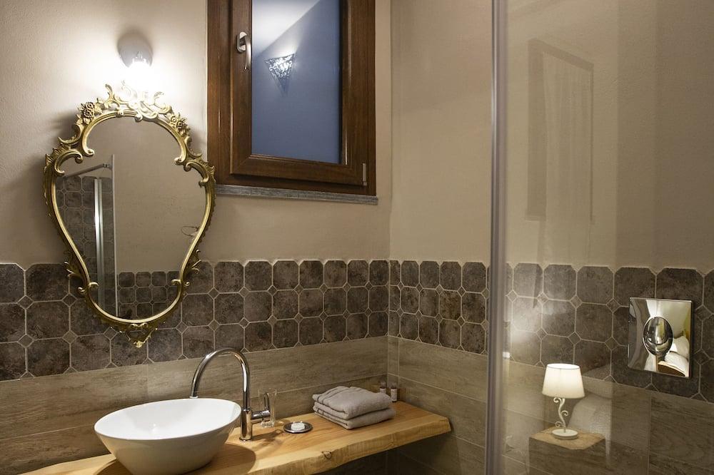 Deluxe Double Room, Garden View (Elicriso) - Bilik mandi