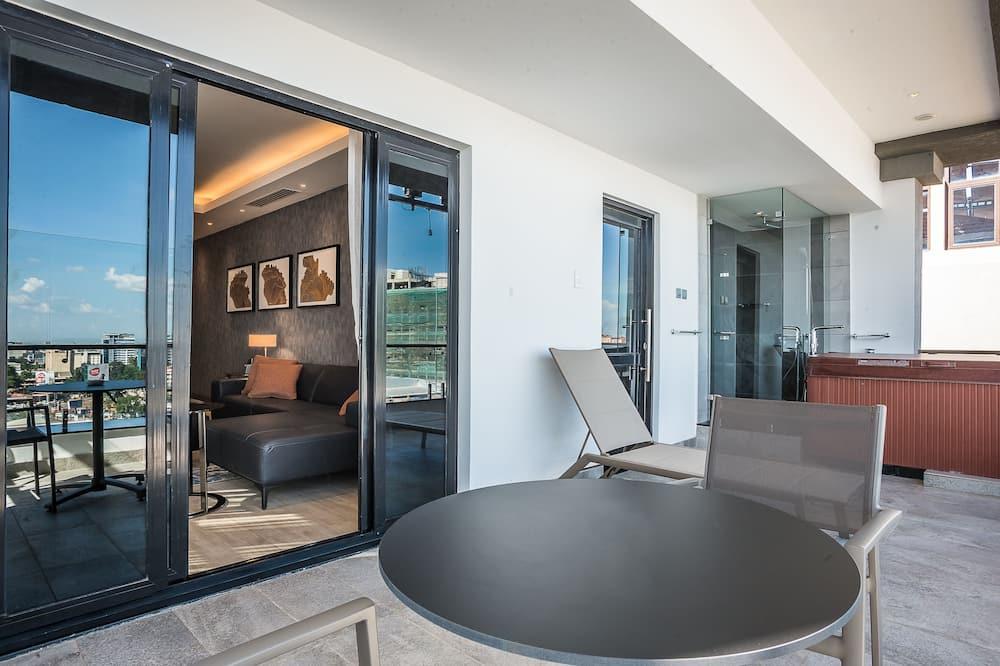 Suite, 1 Katil Raja (King), Non Smoking (Penthouse) - Teres/Laman Dalam