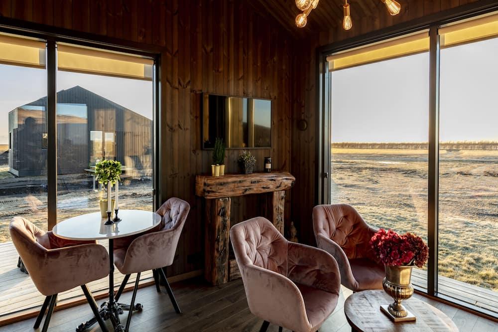 Superior Cottage - Living Area