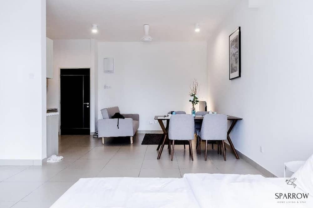 Suites 5 Pax - In-Room Dining