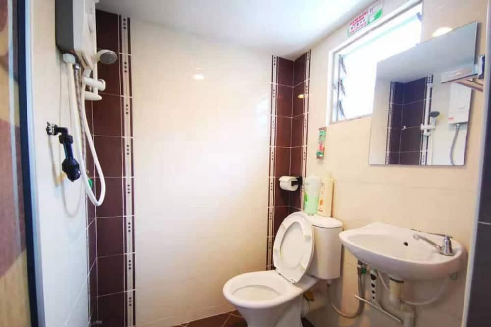 112A Granny House (2 BR House) - Bathroom