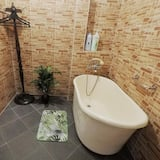 112 Granny Lodge (2 BR House) - Bathroom