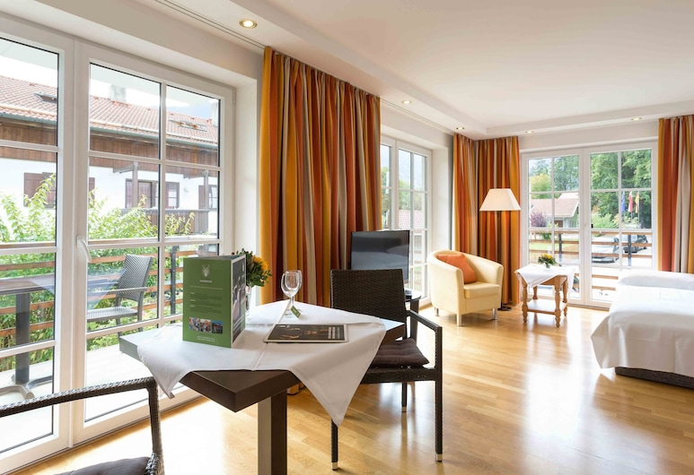 Hotel Hubertus, Schliersee, Suite (kitchen use on request), Wohnbereich