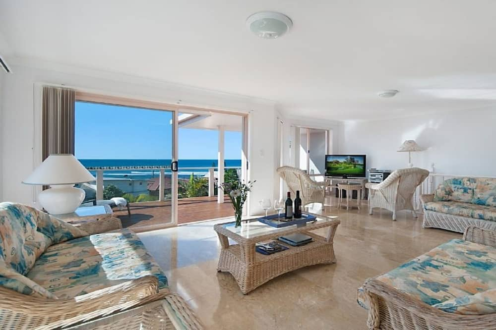 Duplex, 3 Bedrooms - Living Area