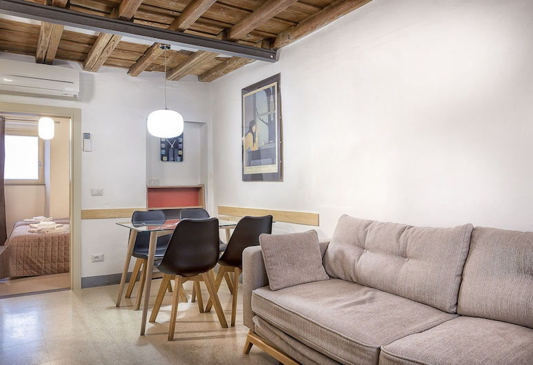 43 Palazzuolo House, Florence, City Apartment, 1 Bedroom, Living Area