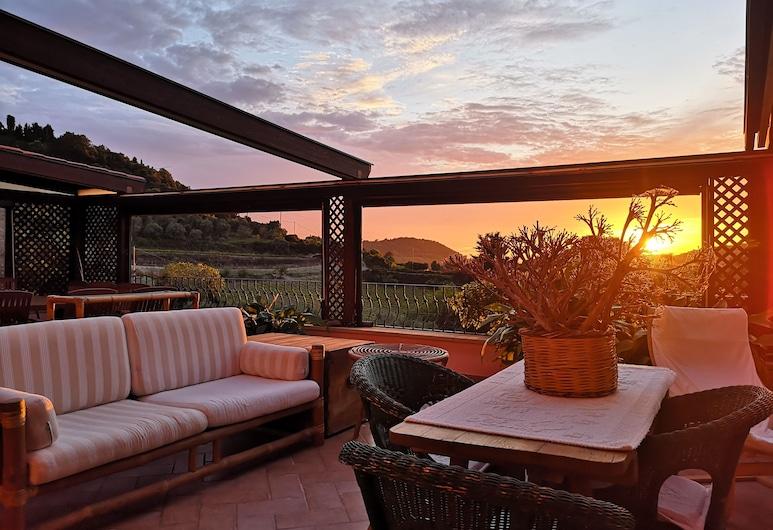 La Tinaia Country House, Magomadas, Taras/patio