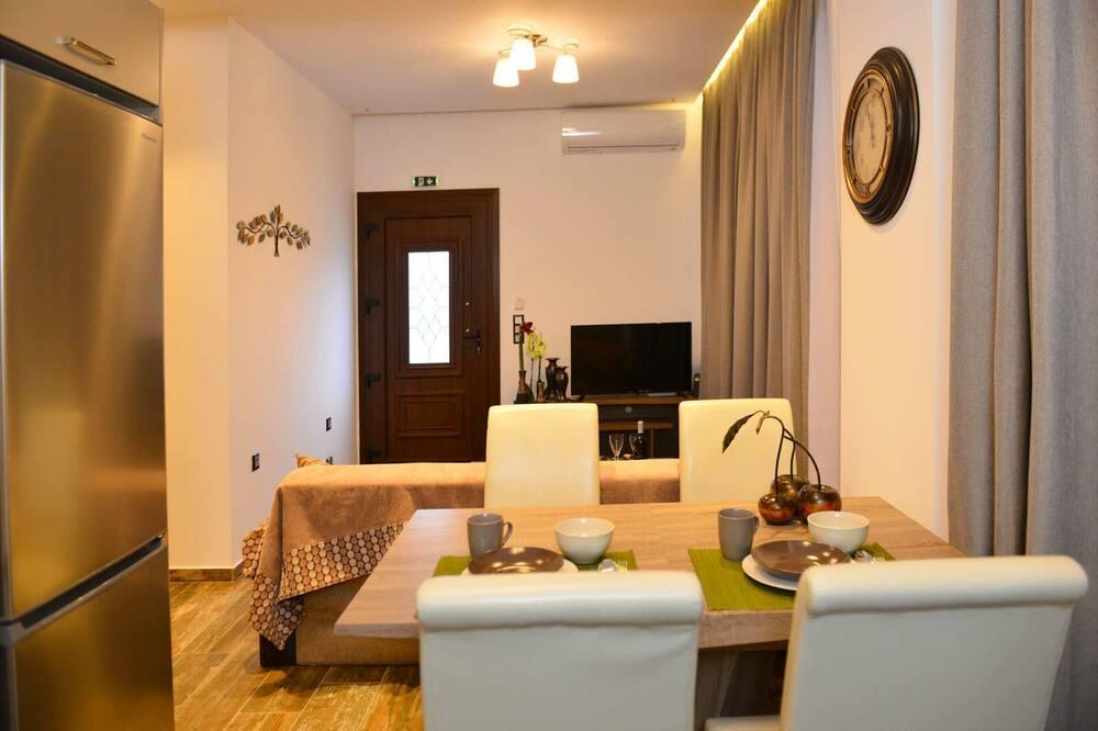 Villa, 2 Bedrooms, Sea View - In-Room Dining