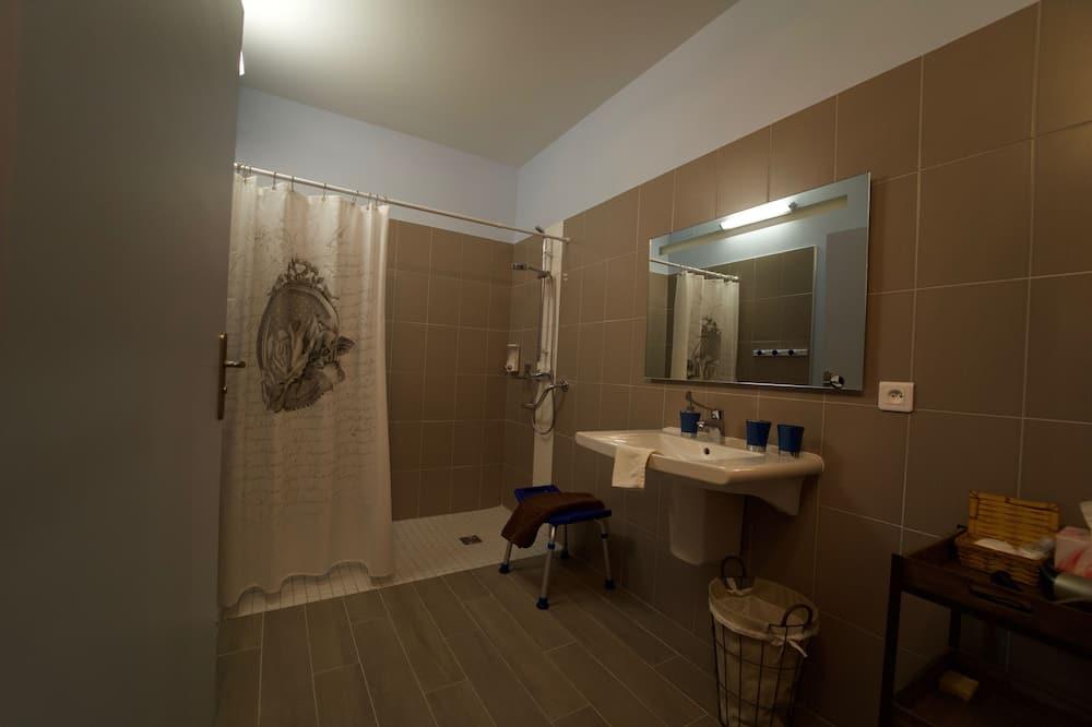 Tek Büyük Yataklı Oda, Engellilere Uygun (L'Axonnaise) - Banyo