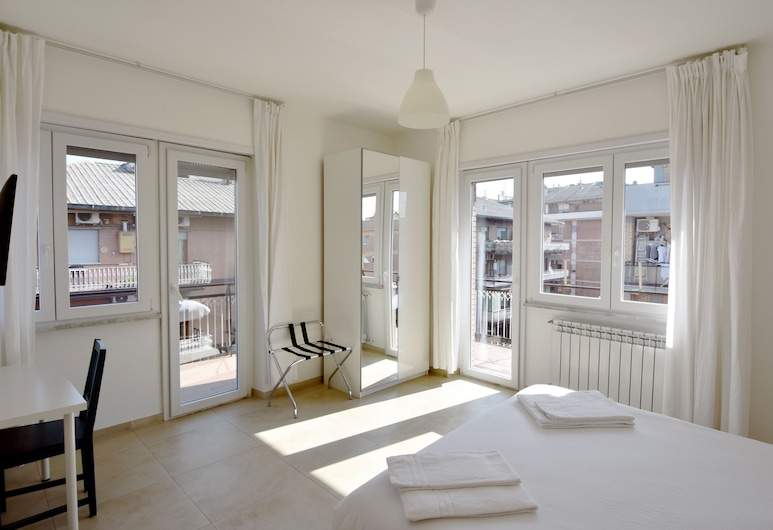 Al Dieci, Rome, Double or Twin Room, Ensuite, Guest Room