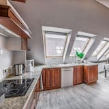 Apartment, 3 Bedrooms - Shared kitchen