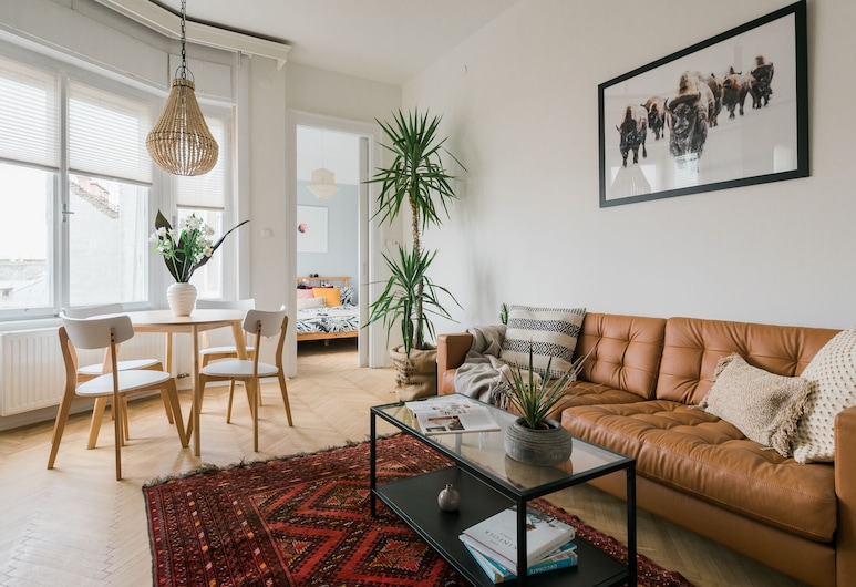 I Bet You Already Miss This Place, Budapest, Apartment, Living Room