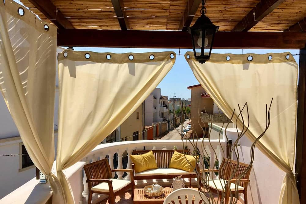 Apartment With 2 Bedrooms in Corsano, With Furnished Terrace