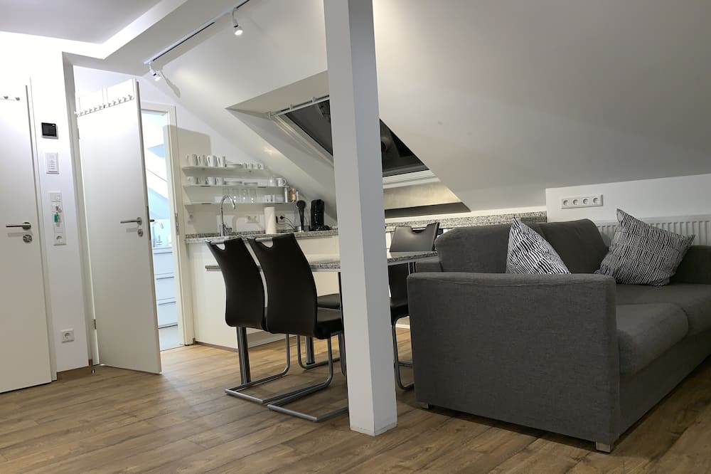 Family Studio (incl. EUR 25 Cleaning fee) - Living Area