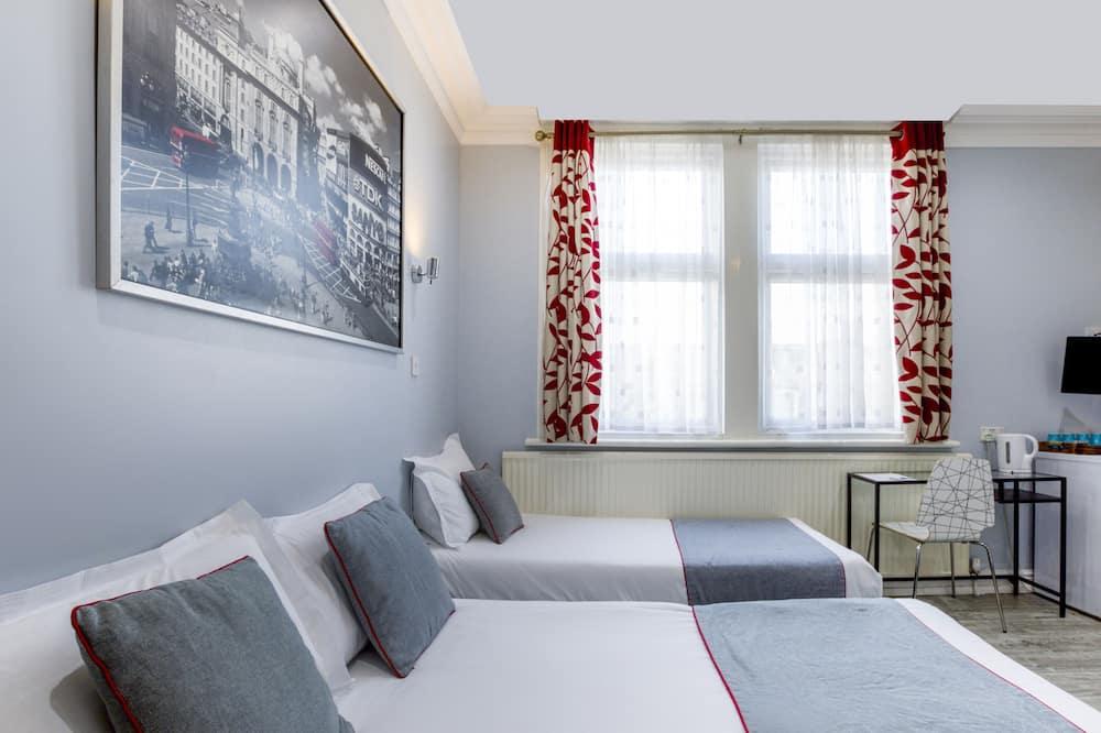 Standard Quadruple Room, Multiple Beds - Guest Room