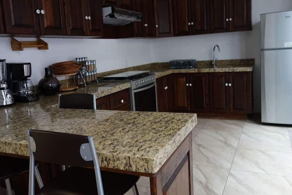 Family Double Room - Shared kitchen