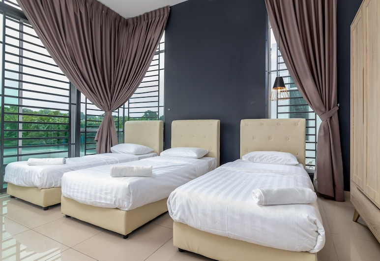 Escadia Villa Desaru by IdealHub, Bandar Penawar, 49 J7, Bilik