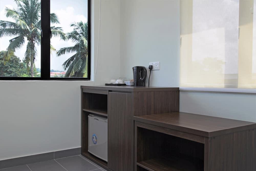 Honeymoon Double Room, 1 King Bed, Private Bathroom - Mini Refrigerator