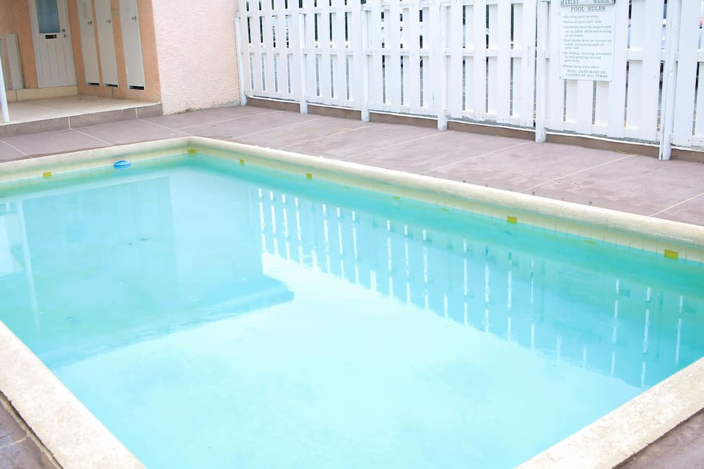 Leilighet, flere senger - Svømmebasseng