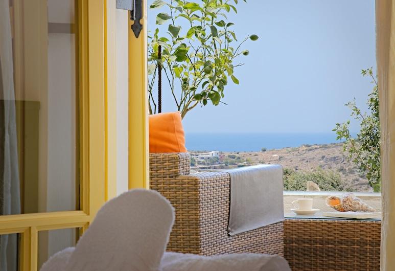 Ailouros summer hotel, Schoinousa