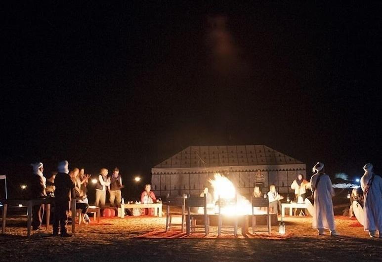 Merzouga Luxury Desert Camps, Taouz, Façade de l'hôtel - Soir/Nuit