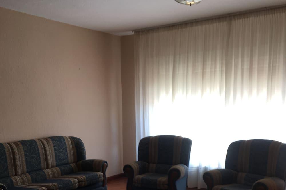 Twin Room, 2 Single Beds - Living Room