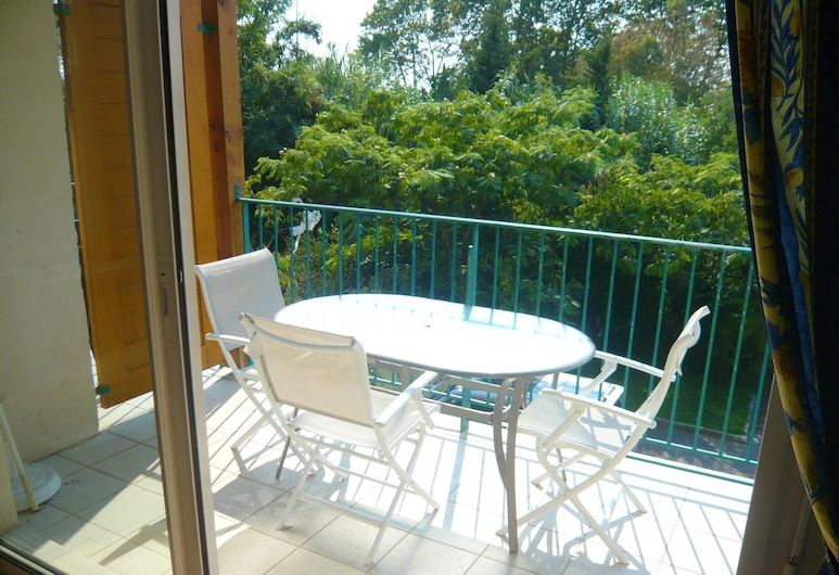 Apartment With 2 Bedrooms in Grimaud, With Shared Pool, Enclosed Garden and Wifi - 500 m From the Beach, Grimaud