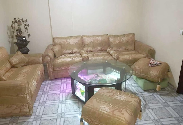 Apartment With 2 Bedrooms in Casablanca, With Wonderful sea View and Wifi, คาซาบลังกา, ห้องนั่งเล่น