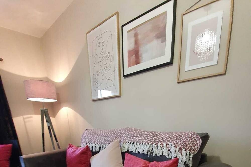 Highcliffe Apartment 2 - Living Room