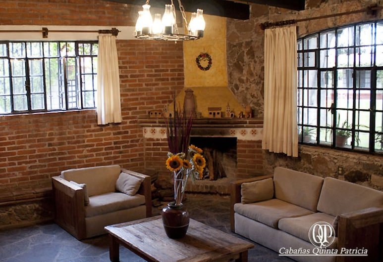 Cabañas Quinta Patricia, Tequisquiapan, Cabane Familiale, 2 chambres, cheminée, Salle de séjour