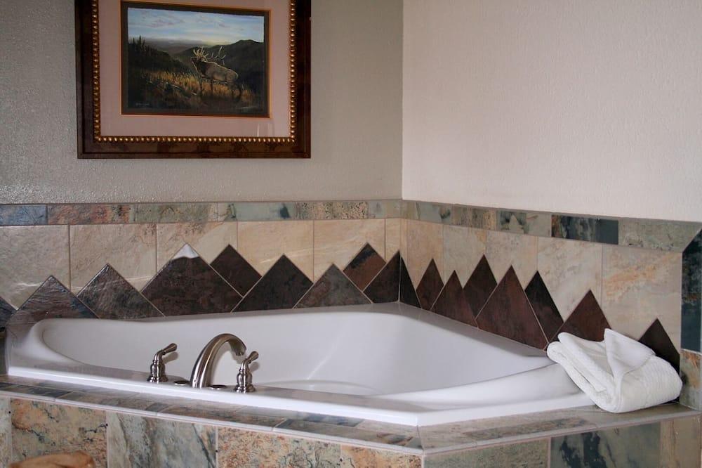 公寓式客房, 1 张大床, 私人游泳池 - 浴室