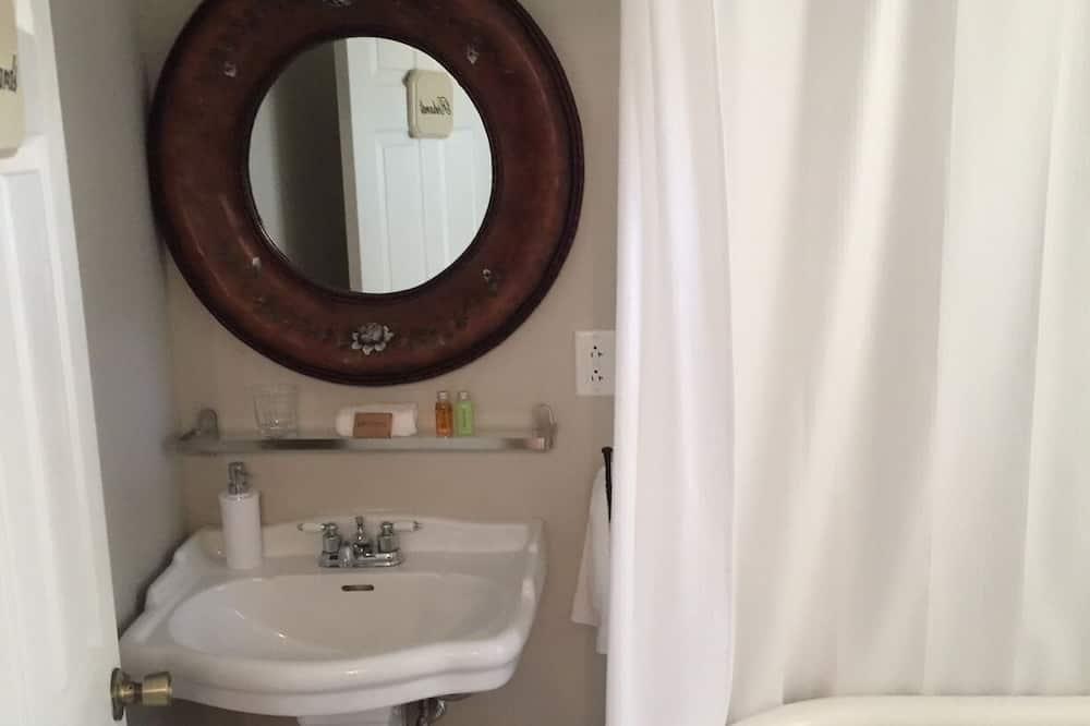 ห้องสแตนดาร์ดสำหรับสี่ท่าน - ห้องน้ำ