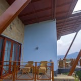 Deluxe Double Room, 1 King Bed, Mountain View - Balcony