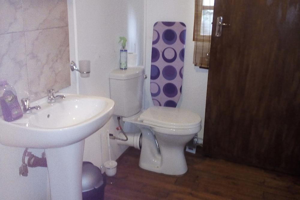 ห้องแฟมิลีซิงเกิล - ห้องน้ำ
