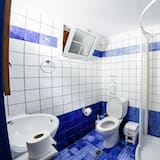 Studio (Double Bed + Single Bed) - Bathroom