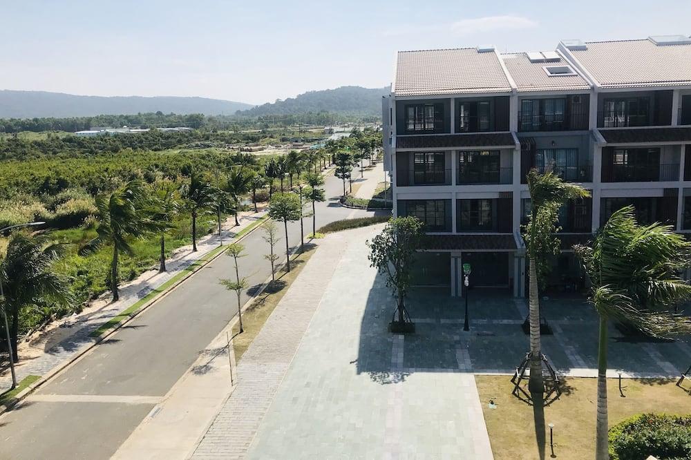 Standard Double Room, Balcony - Street View